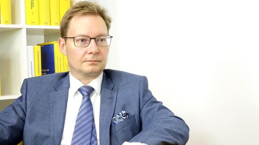 Dr. Martin Vock ist Lehrbeauftragter an der Fachhochschule Campus Wien, Fachautor und Vortragender. (Bild: © Linde Verlag)